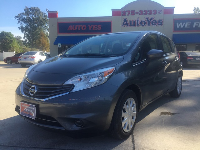 2016 Nissan Versa Note S Gray Clean CARFAX 2736mpgPriced below KBB Fair Purchase PriceWe