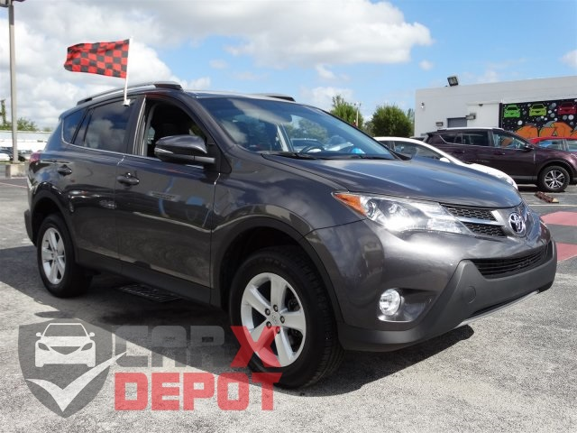 2014 Toyota RAV4 LE Gray CLEAN CARFAX ONE OWNER LOW MILES NON-SMOKER CERTIF