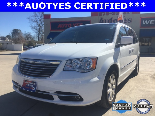 2016 Chrysler Town  Country Touring White TINTED WINDOWS CARFAX 1-OWNER LEATHER