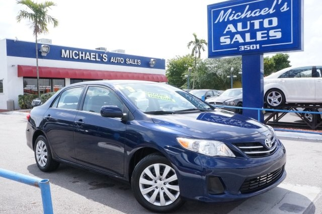 2013 Toyota Corolla LE Blue Nautical Blue Metallic 2013 Toyota Corolla LE FWD 4-Speed Automatic 1