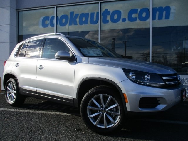 2017 Volkswagen Tiguan Wolfsburg Silver Perfect Color Combination Call and ask for details Cook