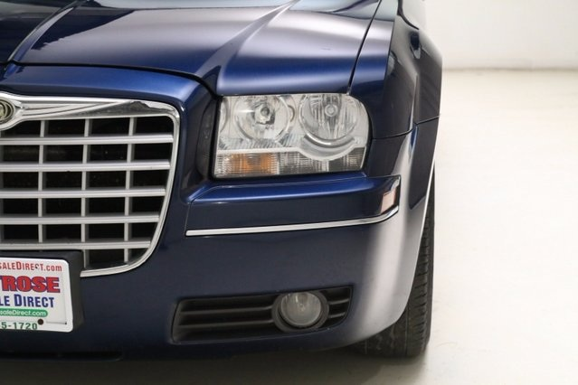 View Chrysler 300 details