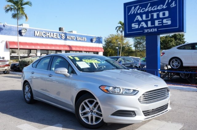 2013 Ford Fusion SE Silver Turbo Gasoline Generation 2 Fusion moves forward on renewed vehicu