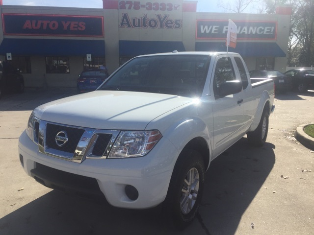 2015 Nissan Frontier White CARFAX One-Owner Clean CARFAX 1521mpg Odometer is 4649 miles below