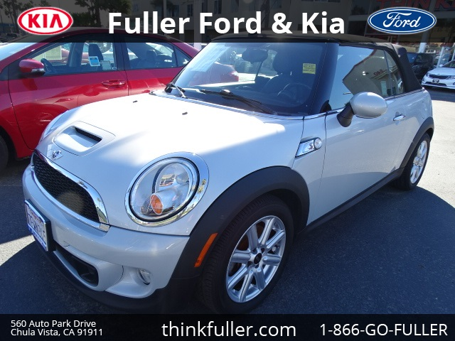 2014 Mini Cooper S Base Silver Wow Where do I start ATTENTION In business since 1946 Fulle