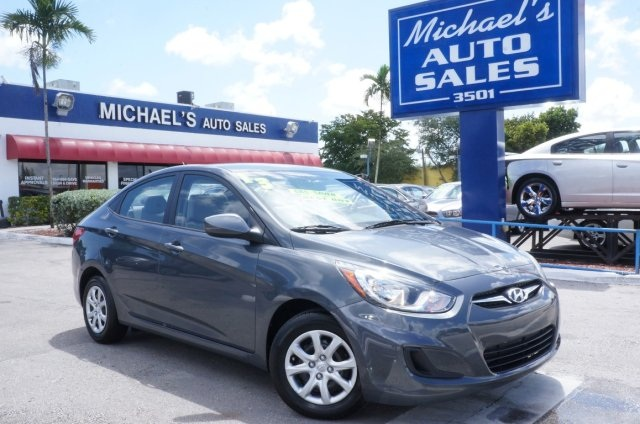 2012 Hyundai Accent GLS Gray Move quickly Hey Look right here Looking for an amazing value o
