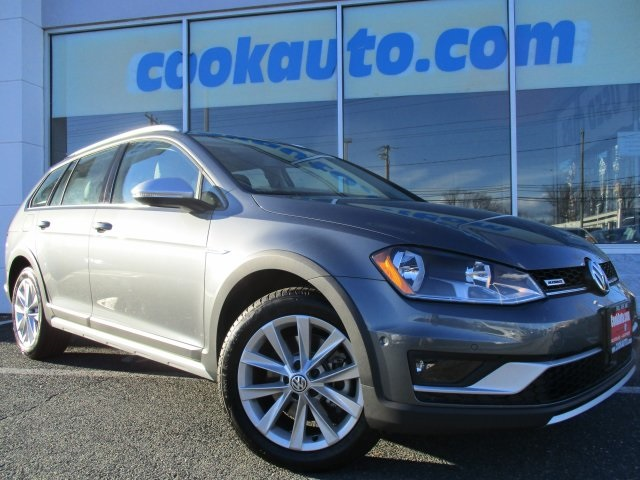 2017 Volkswagen Golf Alltrack TSI SE Gray AWD Turbocharged Cook Volkswagen has been servicing t